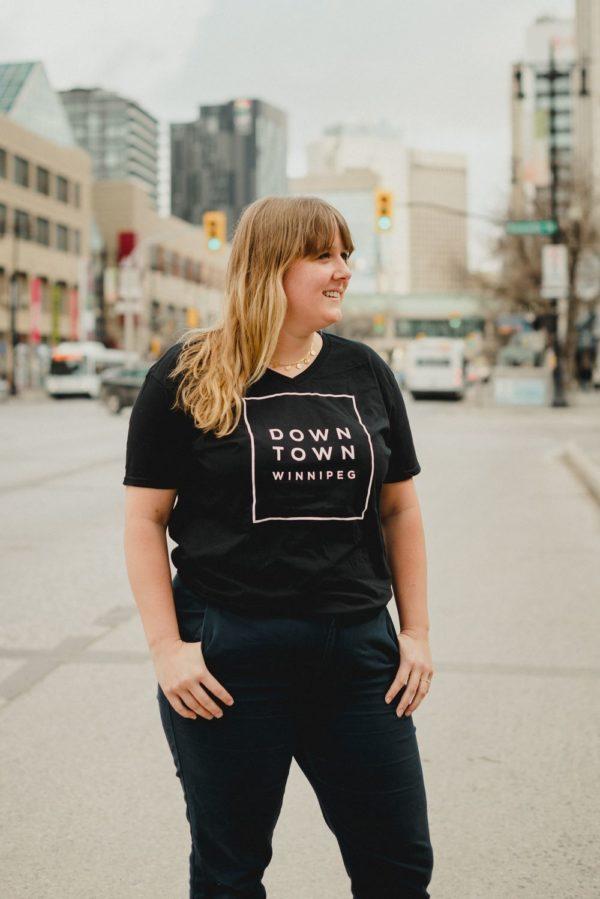 woman wearing t-shirt